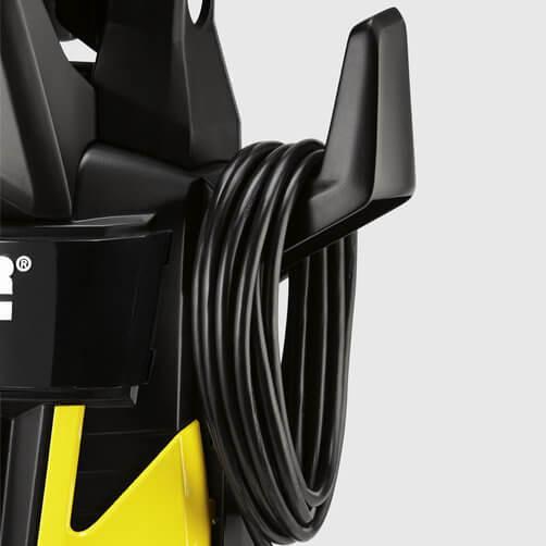 Аккуратное хранение провода на специальном крючке